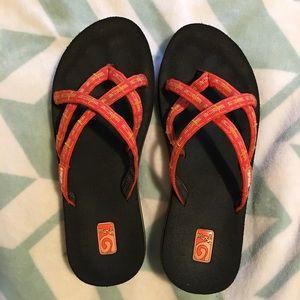 Womens TEVA Criss-Cross Flip Flops Sz 8